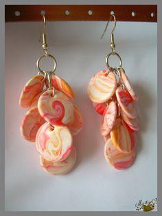 boucles d'oreilles grappes en pâte polymère polymer clay earrings  http://ellefimote.canalblog.com/