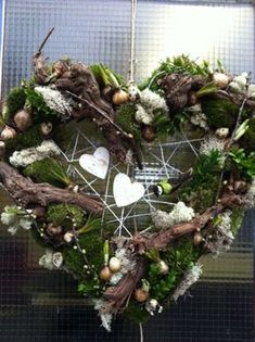 Billedresultat for herbstdeko Rustic Christmas, Christmas Time, Christmas Crafts, Christmas Decorations, Holiday Decor, Wreaths And Garlands, Xmas Wreaths, Deco Noel Nature, Decoration Entree