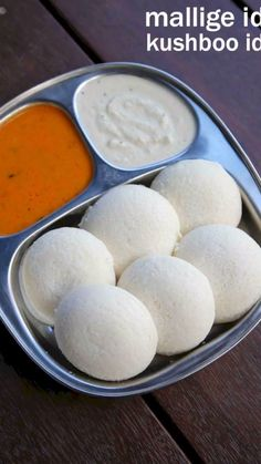 mallige idli recipe, kushboo idli, how to make soft rice idli with step by step photo/video. fluffy idli from karnataka cuisine is made from rice & urad dal Indian Dessert Recipes, Indian Snacks, Idli Sambar, Idli Recipe, Indian Breakfast, Chutney Recipes, Indian Dishes, Food Videos, Breakfast Recipes