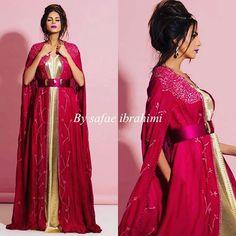 Unique😍 #luxury #caftan #hautecouture #handmade #swarovski #fashion #style #rabat @safaeibrahimidesign #dubai #mydubai #dubai ##bahrain #uae #ksa #qatar #doha #kuwait #abudhabi #قفطان_مغربي #قفطان #الخليج #السعودية #الامارات #البحرين #الكويت #دبي #modern #london #emirates #fashionista #traditional