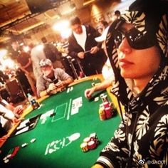 GACKT Official Weibo update. Translation below: I dislike people who don't have a particular interest in things. A person who has no particular interest in anything, basically cannot work well. I'm particularly hooked on Texas hold'em poker. The strongest cards in poker is the royal straight flush, it requires all the suits of the cards …