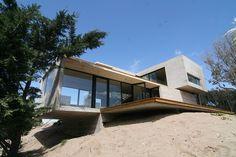 Casa en La Playa by BAK Arquitectos