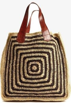Boho Straw Tote: Sturdy crocheted raffia with leather shoulder straps Bag Crochet, Crochet Handbags, Crochet Purses, My Bags, Purses And Bags, Straw Tote, Knitted Bags, Handmade Bags, Bag Making