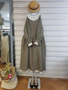 올리브의 린넨스토리 - 딥레드... 쨍한... : 카카오스토리 Abaya Fashion, Couture Fashion, Fashion Dresses, Hijab Style Dress, Iranian Women Fashion, Mori Girl Fashion, Everyday Dresses, Trendy Clothes For Women, Vintage Dresses
