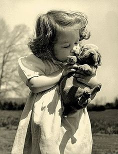 Black and White Old Pictures of Pets / Pets - Exotic, Animals, Stories on imgfave Retro Pictures, Old Pictures, Old Photos, Animal Pictures, Cute Photos, Animals For Kids, Cute Animals, Baby Animals, Vintage Illustration