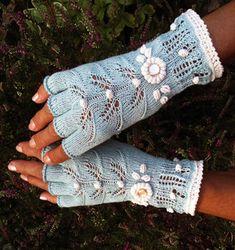 How To Crochet Gloves With Fingers Fingerless Mittens 26 Ideas Fingerless Gloves Knitted, Crochet Gloves, Knit Mittens, Crochet Slippers, Knit Crochet, Lace Knitting, Knitting Socks, Knitting Patterns, Crochet Patterns