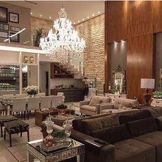 Detalhes living com pé direito alto por MJ Arquitetura   @_decor4home @homeluxoimoveis  