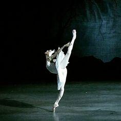 vaganova-blog:Alina Somova as Odette in Swan Lake.