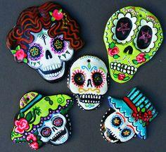 Set of 5 Sugar Skulls Hand made and painted Ornaments Magnets Dia de los Meurtos Mexican folk art