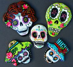 Set of 5 Sugar Skulls Hand made and painted Ornaments Magnets Dia de los Meurtos Mexican folk art