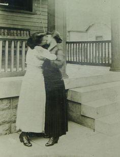A very rare photograph of two women kissing, ca, 1890 / source of information: vita-segreta-delle-lesbiche-in-epoca-vittoriana/