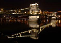 A Lánchíd - The Chain Bridge - Budapest, Hungary