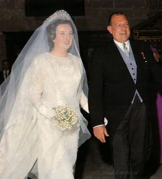 I Jose Carlos Gomez Would Celebrity Wedding Dresses, Bridal Wedding Dresses, Celebrity Weddings, Wedding Bride, Infanta Margarita, Royal Brides, Royal Weddings, Spanish Royalty, Wedding Messages