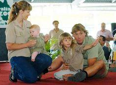 Terri Irwin Boyfriend | Steve Irwin, seen here with his wife Terri, son Bob and daughter Bindi ...