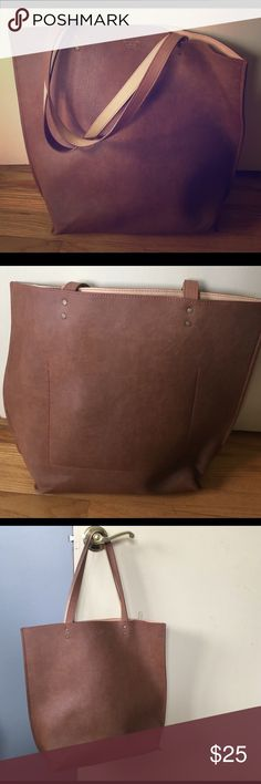 Abercrombie and Fitch tote Like brand new! Abercrombie & Fitch Bags Totes