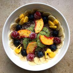 Leckerer Acai Beeren Porridge #Schmackofatzi  #FitnessFrühstück