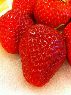 Amaou strawberries--delicacy of Fukuoka, Japan.  あまおうイチゴ、福岡
