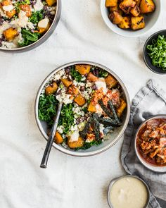 Nourishing macro bowls featuring brown rice miso glazed squash and nourishing veggies and greens smothered in a miso tahini sauce. Clean Recipes, New Recipes, Vegetarian Recipes, Healthy Recipes, Salad Recipes, Healthy Bowl, Healthy Herbs, Healthy Eating, Macro Meals