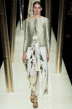 Armani Privé - Spring 2015 Couture - Look 4 of 69