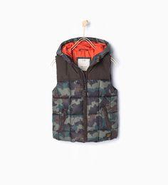 Basic hooded waistcoat