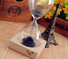 「マグネット×砂鉄」のアートな砂時計【Magnetic Sand Hourglass】の画像 インテリアハック | antenna