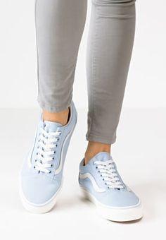 new product 5827f 51ebc 20 parasta kuvaa  staaailiiii   Adidas originals,Slippers ja Adidas ...