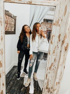how to pair outfits Best Friend Pictures, Bff Pictures, Bff Goals, Best Friend Goals, Easy Style, Tumblr Bff, Fall Outfits, Cute Outfits, Lunch Boxe