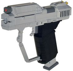 The Fall of Reach: Life-Size Lego Replicas of the Halo Weapons ...