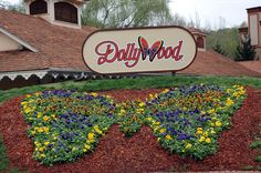 It's an old lady type dream, but I need to go to Dollywood to see the great lady sing