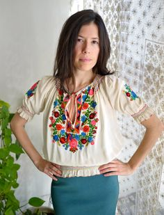 Vintage 70s Hungarian Embroidered Peasant Blouse