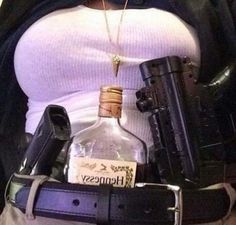 Versacelivin'♔ - Versacelivin'♔ Source by hailinapril - Boujee Aesthetic, Badass Aesthetic, Bad Girl Aesthetic, Aesthetic Grunge, Aesthetic Pictures, Gangsta Girl, Fille Gangsta, Estilo Gangster, Armas Wallpaper
