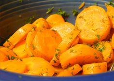 Esta conserva aparece muito como uma entrada em restaurantes, mas estas cenouras em conserva podem servir de acompanhamento a diversos tipos de pratos.