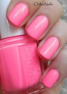 Essie pink parka in love with this. Next Essie color for sure. Love Nails, Pink Nails, How To Do Nails, Pretty Nails, My Nails, Garra, Essie Nail Polish, Nail Polish Colors, Manicure And Pedicure