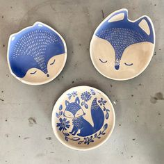 Deshilachado Porcelain Clay, Ceramic Clay, Ceramic Plates, Ceramic Pottery, Pottery Art, Slab Pottery, Clay Projects, Clay Crafts, Arts And Crafts