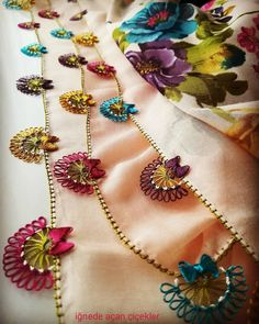 Gorgeous Crochet Needlework Models That Anyone Can Make - Дизайн дома Hairpin Lace Crochet, Crochet Trim, Easy Crochet, Free Crochet, Embroidery Needles, Embroidery Patterns, Hand Embroidery, Crochet Borders, Crochet Stitches