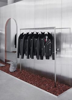 Minimal fashion brand The Arrivals has opened pop-up stores in New York, Los Angeles and San Francisco. Retail Store Design, Retail Shop, Retail Displays, Shop Displays, Merchandising Displays, Window Displays, Retail Interior Design, Interior Shop, Design Studio