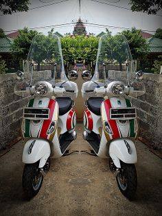 vespa lx150 #tricolore #nolan helmet style graphics #red white and green