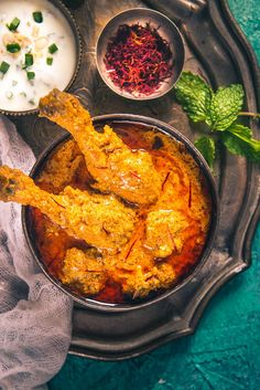 Mughlai Kesar Murgh is a royal Mughlai dish which has soothing flavour of chicken, spices, fresh cream and saffron. Savour with any Indian flatbread.