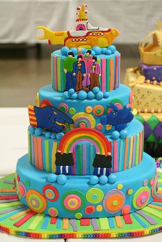 Amazing looking Beatles Yellow Submarine Wedding Cake. Posted by NoNo Joe on flickr. Was taken at the Travis County Expo Centre in Austin Texas in 2007 it seems. Sadly no idea of who the amazing artist is.