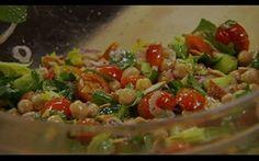Salada de grão-de-bico com ervas - Receitas - GNT