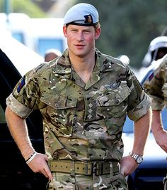 Prince William may be the heir to the throne, but we can't help but find ourselves more interested in his younger brother, Prince Harry. The royal is not only Prince Harry Et Meghan, Prince Harry Of Wales, Prince Harry Photos, Prince William And Harry, Harry And Meghan, William Kate, Lady Diana, Prince Charles, Principe Henry