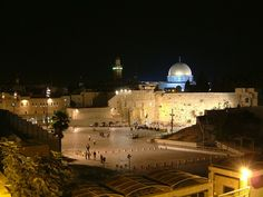 Old City, Jerusalem: Western Wall and Temple Mount photographed at night Jerusalem Travel, Places Ive Been, Places To Visit, Temple Mount, Western Wall, World Religions, Holy Land, Ancient Architecture, Old City
