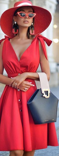 Black Party Dresses, Party Wear Dresses, Short Dresses, Red Fashion, Womens Fashion, Fashion Vocabulary, Glamour, Black White Red, Lady In Red