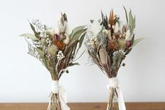 FLEURI (フルリ)| ドライフラワー dryflower リース wreath ブーケ 花束 スワッグ Hand Bouquet, Dried Flower Bouquet, Dried And Pressed Flowers, Dried Flowers, Christmas Arrangements, Flower Arrangements, Bohemian Wedding Theme, September Flowers, Flower Texture