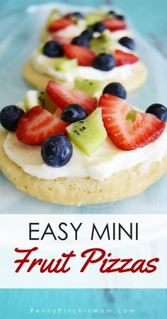 Easy Mini Fruit Pizza Cookies A simple single-serve dessert idea that is perfectly refreshing. - Easy and refreshing summer dessert recipe idea for… Mini Desserts, Single Serve Desserts, Summer Dessert Recipes, Brownie Desserts, Healthy Dessert Recipes, Easy Desserts, Recipes Dinner, Easter Recipes, Easy Deserts For Kids