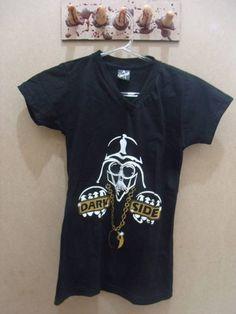 T- Shirt Dark Side  Cor: Preta Tamanho P R$ 49,00  www.elo7.com.br/dixiearte
