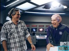 Behind the scenes on Galaxy Quest Alan Rickman as Alexander Dane. Alan has said in interviews that to make it realistic the entire set they stood on would move and rock to give the affect of the ship moving.