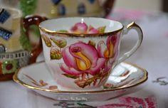 Bernideen's Tea Time Blog: FRIENDS SHARING TEA