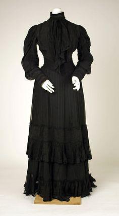 Mourning dress Date: ca. 1905 Culture: American Medium: silk