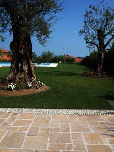 #quarzite #floor #pool #natural #garden #stone #pebbles #flooring #italian #madeinitaly #palosco #bergamo
